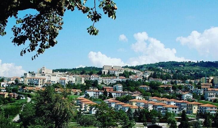 تئورا؛ شهری ایتالیایی که خانه های 50 یورویی اجاره می دهد!