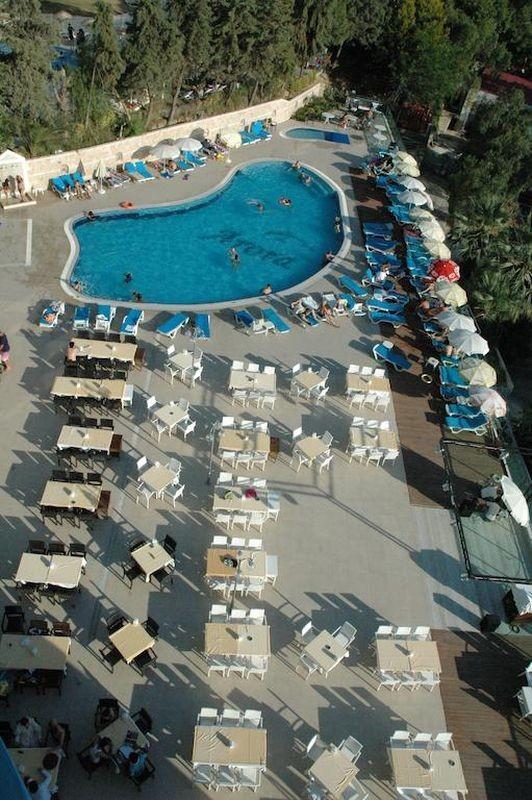 Arora Hotel - 05.jpg