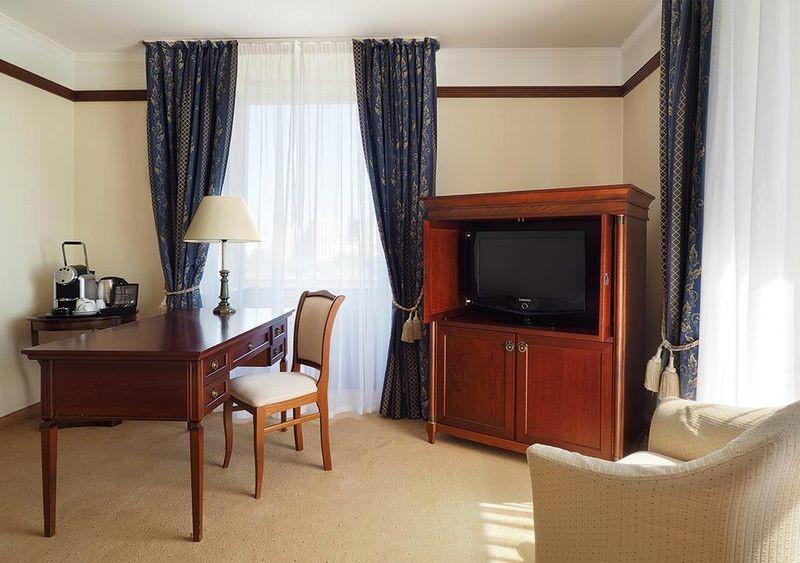 Radisson Slavyanskaya Hotel & Business Centre - 19.jpg