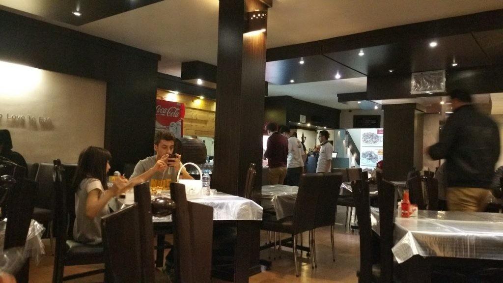 رستوران ایتالیایی می شف (1).jpg