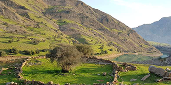 راز و نیاز با زمین (سفرنامه خوزستان)