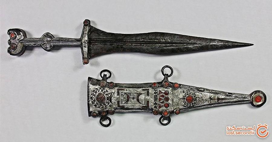 خنجر رومی 2000 سالهای که توسط یک کارآموز باستانشناسی اتفاقی کشف شد