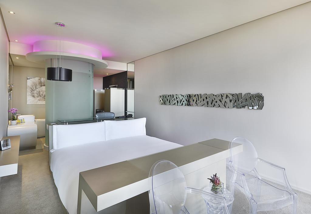 Cape Town Marriott Hotel Crystal Towers (1).jpg