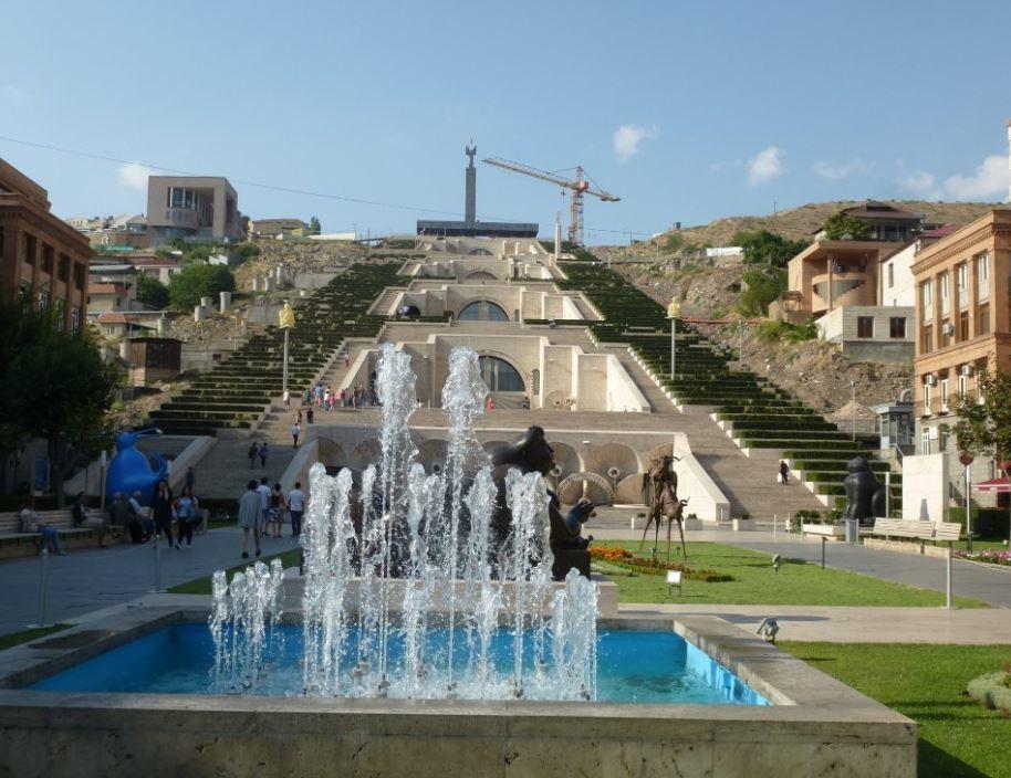 Yerevan Cascade (2).JPG
