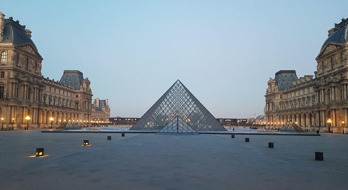 Louvre Museum (1).JPG