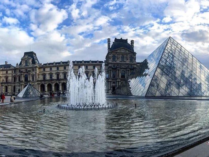 Louvre Museum (3).JPG