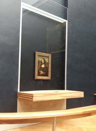 Louvre Museum (4).JPG