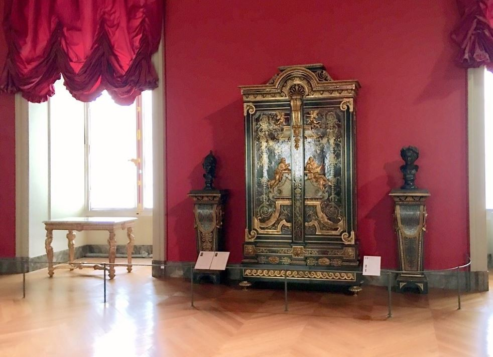 Louvre Museum (5).JPG