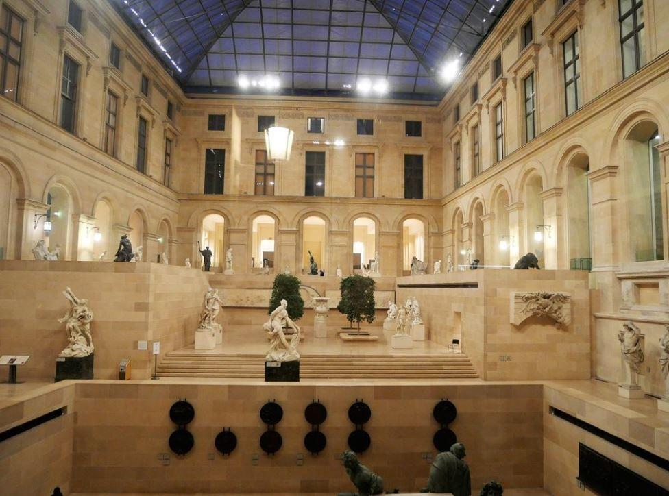 Louvre Museum (6).JPG