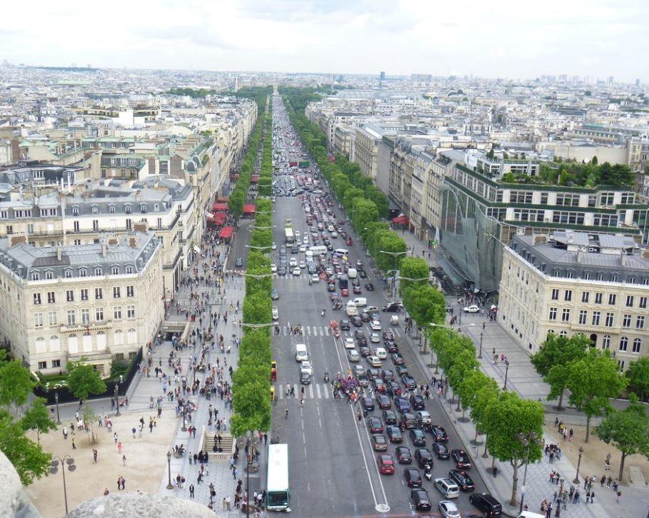 Champs-Elysees (2).JPG