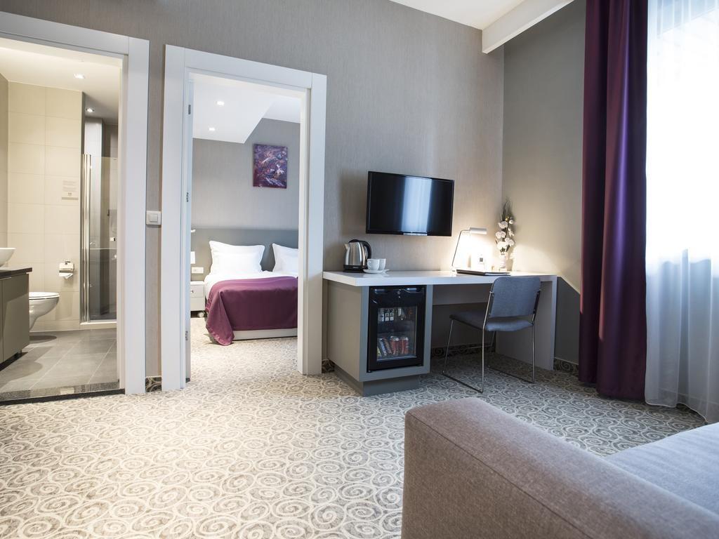 88 Rooms Hotel (3).jpg