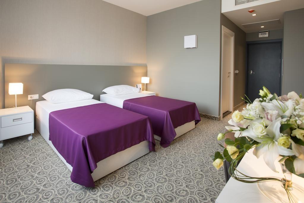 88 Rooms Hotel (1).jpg