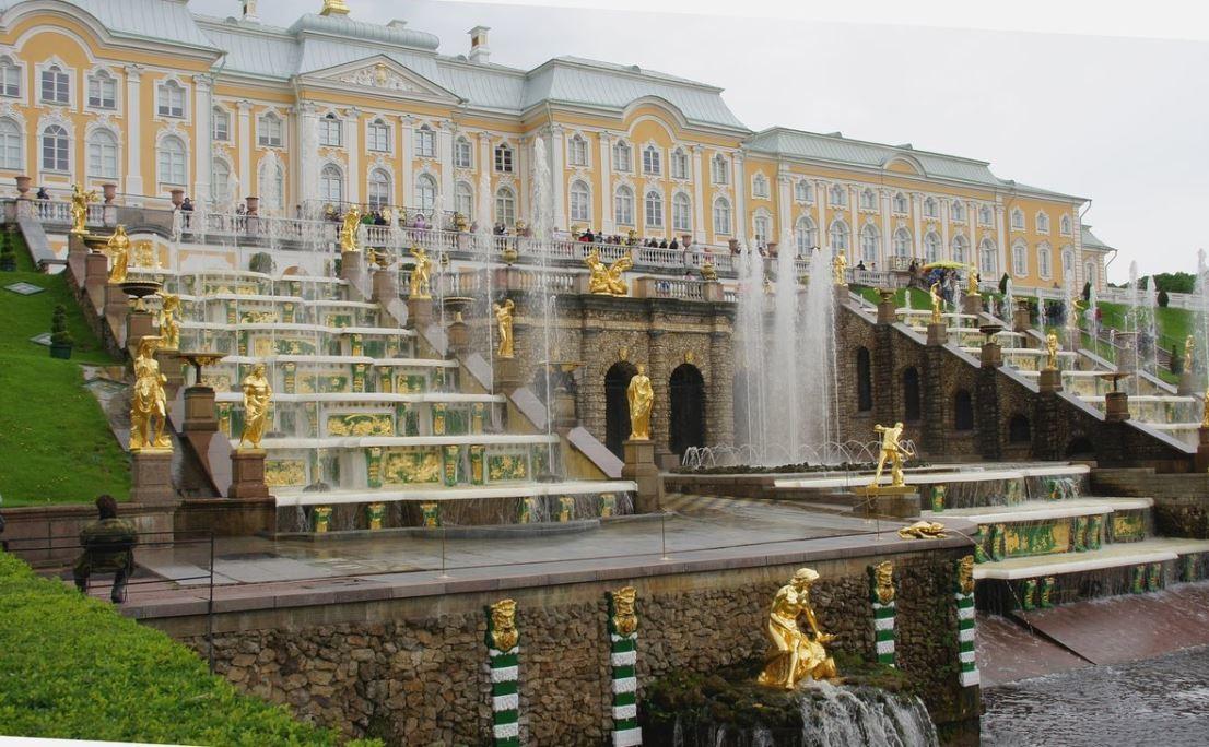Peterhof Grand Palace (2).JPG