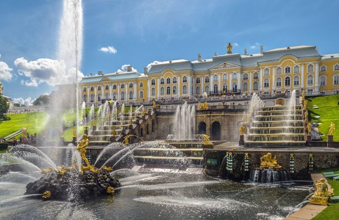 Peterhof Grand Palace (1).JPG