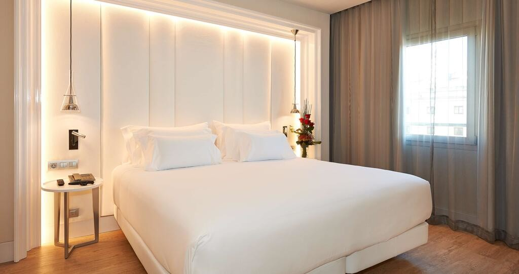NH Collection Barcelona Gran Hotel Calderon (7).jpg