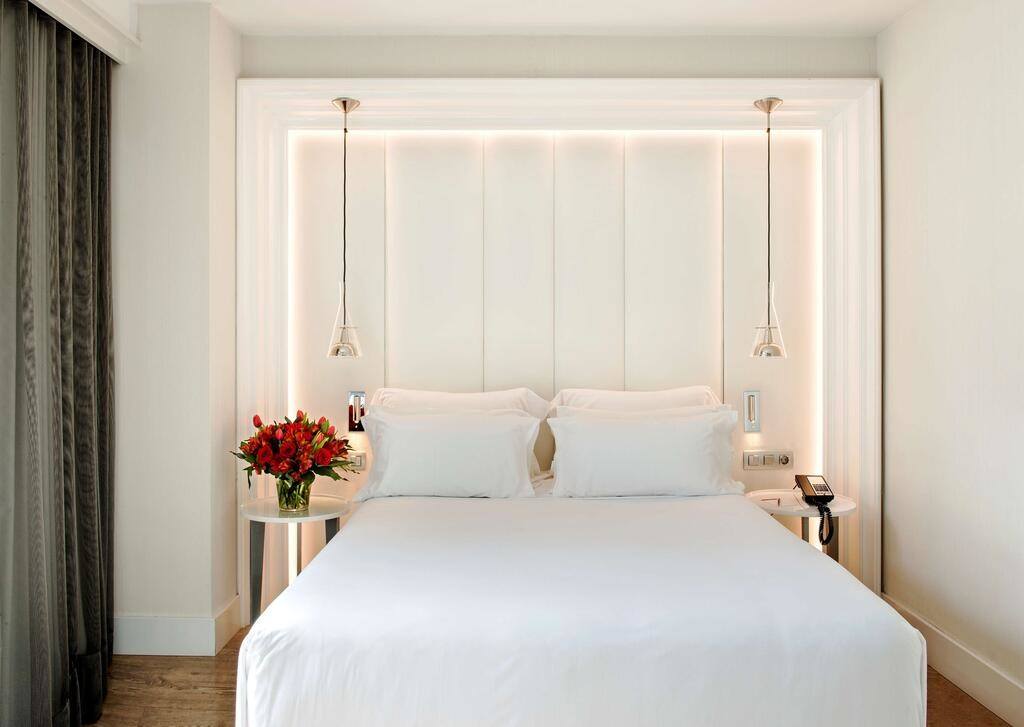 NH Collection Barcelona Gran Hotel Calderon (3).jpg