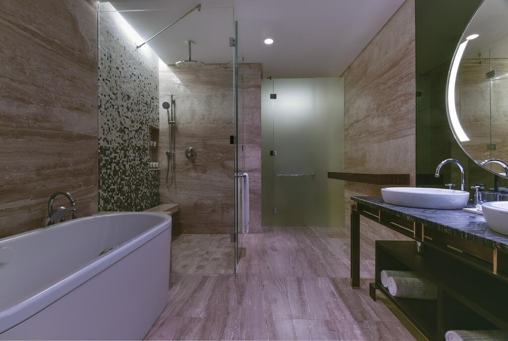 The Westin Doha Hotel & Spa (12).jpg