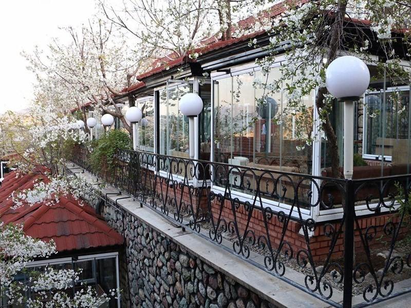Bargeboo Restaurant (3).jpeg