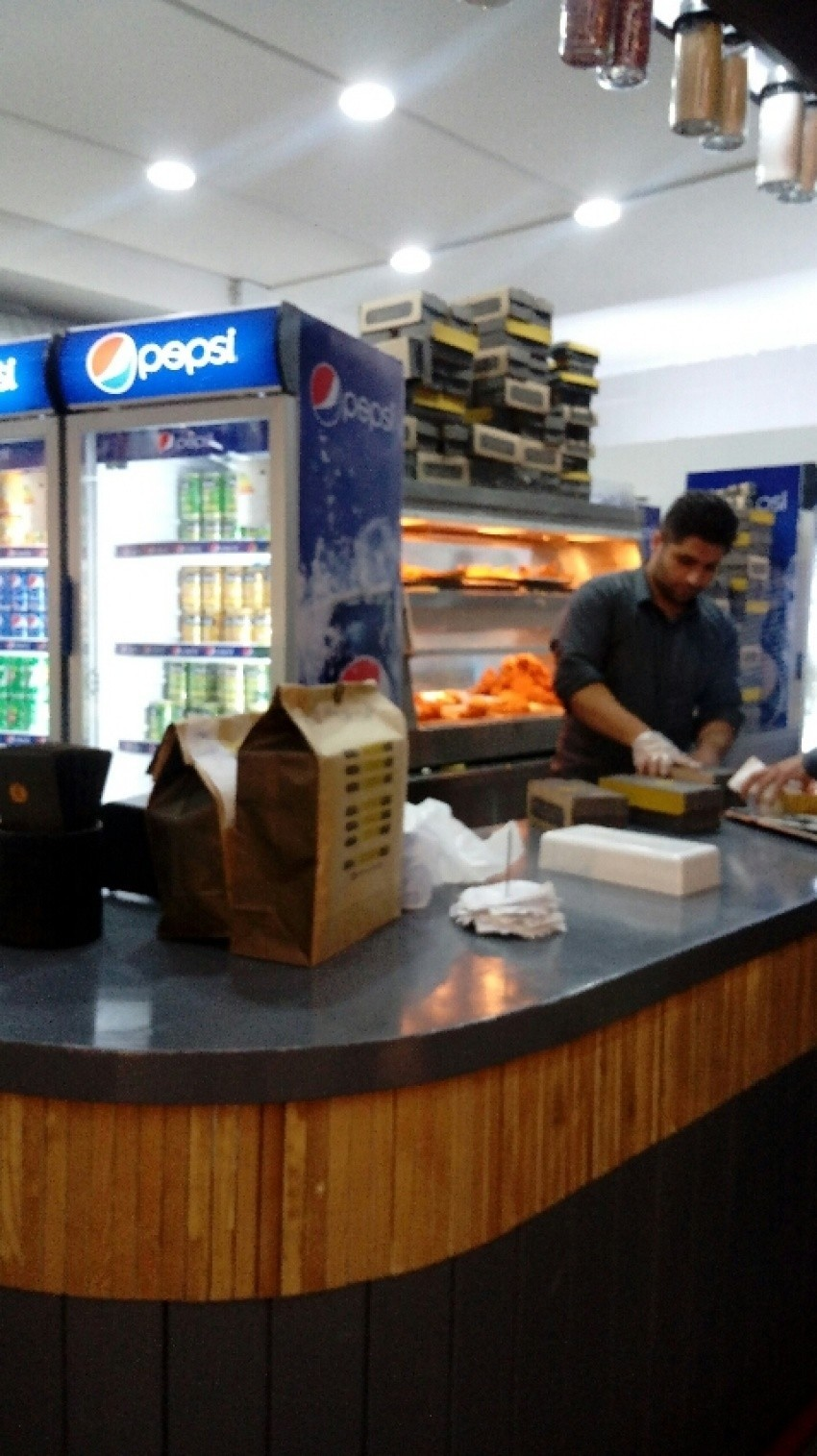 Sarzamin Sokhari Fast Food (4).jpeg