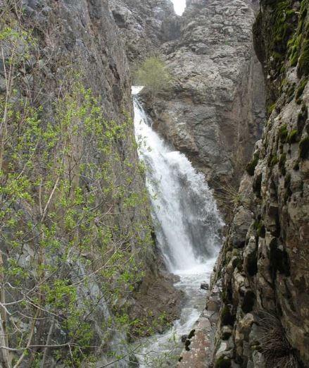 Buzhan Waterfall (3).JPG