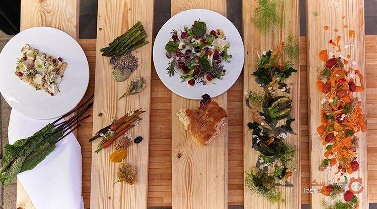 رستوران هلندی برای حفظ فاصله اجتماعی، گلخانههای کوچک برای شام ایجاد کرد.