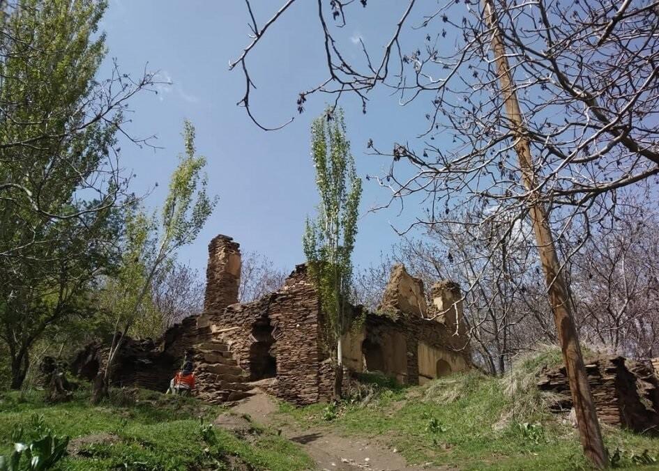 ورکانه، روستای عجیب ساخته شده از سنگ در همدان!