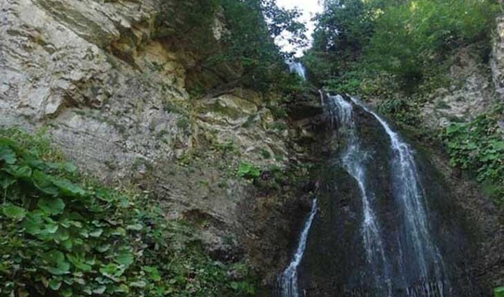 آبشار آلوچال، شگفتی بی مثال شاهرود!