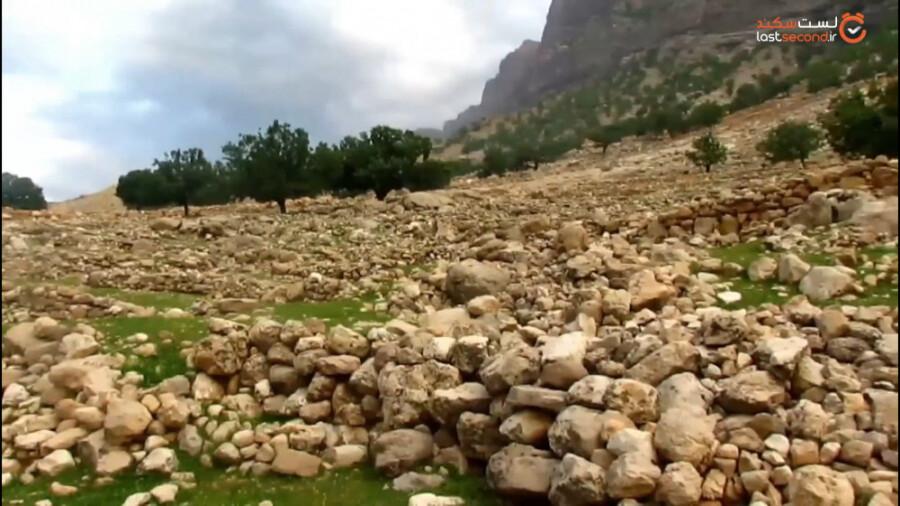 روستای بختیاری نشین موری در شمال خوزستان و در نزدیکی آبشار طوف کما