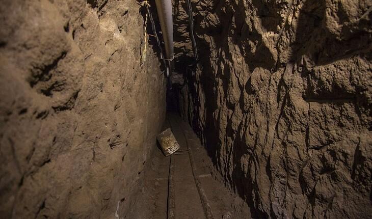 مردی در قرنطینه، تونلی مخفی پر از یادگارهای قدیمی را در خانه اش پیدا کرد!