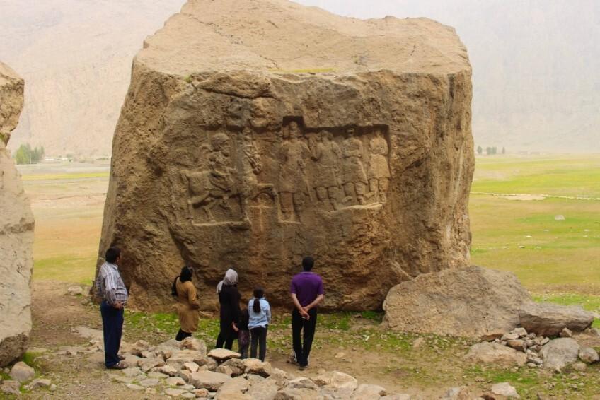 Khong-e Azhdar Rock Relief (2).jpeg