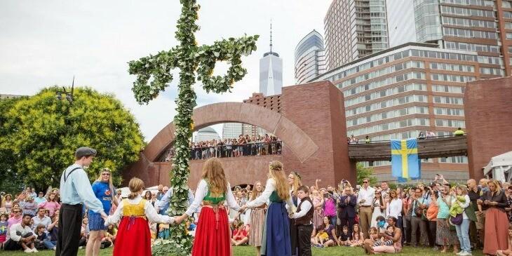 جشن میانتابستانه سوئد، از توهم ترس تا واقعیتی دوستداشتنی!