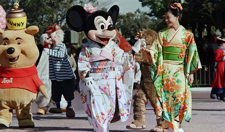 پارک دیزنی توکیو پس از ۴ ماه تعطیلی به دلیل کرونا ویروس، بازگشایی شد!