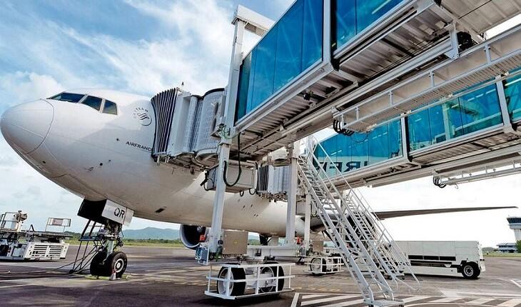 """کشورها برای مسافرانی که از مرزها عبور میکنند """"پل های هوایی"""" ایجاد کرده اند!"""