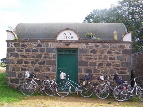 کوچک ترین زندان جهان هنوز در این جزیره انگلیسی فعالیت می کند!