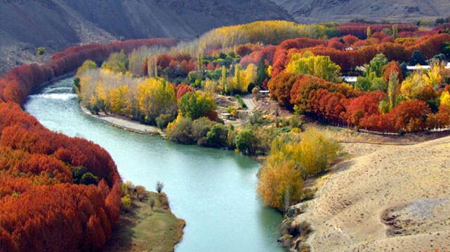 راهنمای محور گردشگری غرب اصفهان ( از باغ بهادران تا سد چادگان ) + سفرنامه صوتی