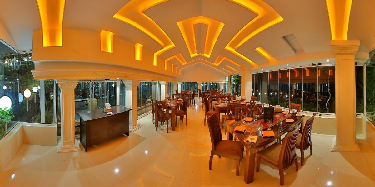 Bagh Behesht Restaurant Fasham (Zard-e Band)4.jpg