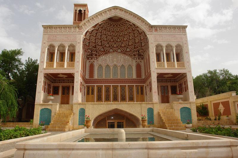 سرای خاتون قمصر، عمارتی باساخت معاصر اما اسلامی در کاشان!