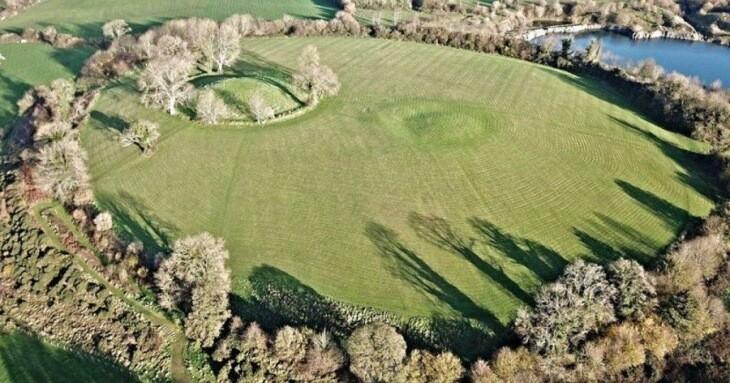 معبدی متعلق به عصر آهن در قلعه نوان ایرلند شمالی یافت شد!