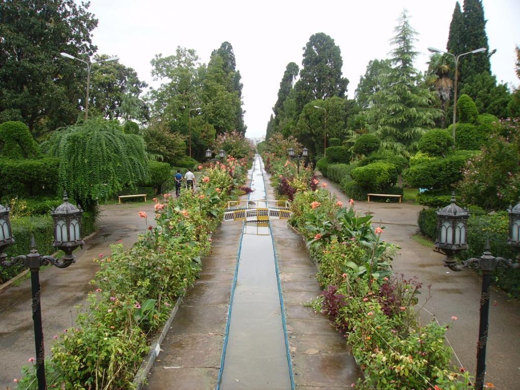 پارک ملت، باغشهاه منحصربفرد بهشهر!