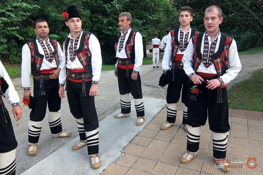 لباس محلی بلغارستان چیزی بیش از یک لباس زیبا است