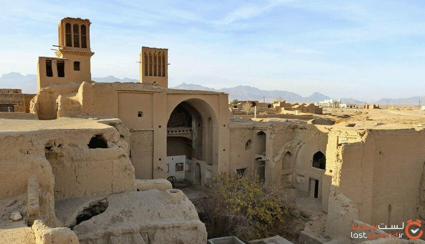عقدا، بزرگترین روستای خشتی ایران در اردکان