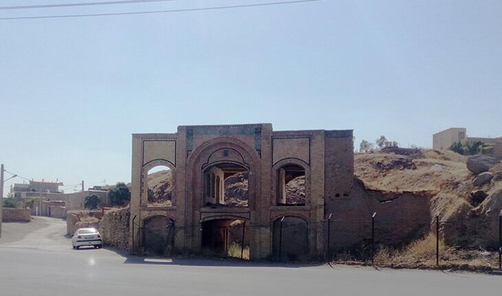 کاروانسرای زغالی های همدان، از استادیوم تا بنایی فراموش شده!