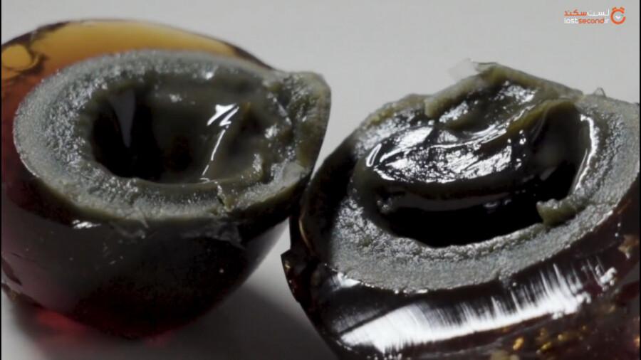 تخم مرغ های ۱۰۰ ساله یکی از جاذبه های شکمگردی چین