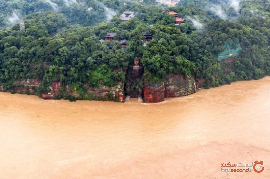 بزرگترین پیکره سنگی بودا جهان در چین تا حدودی توسط سیل غرقشده است