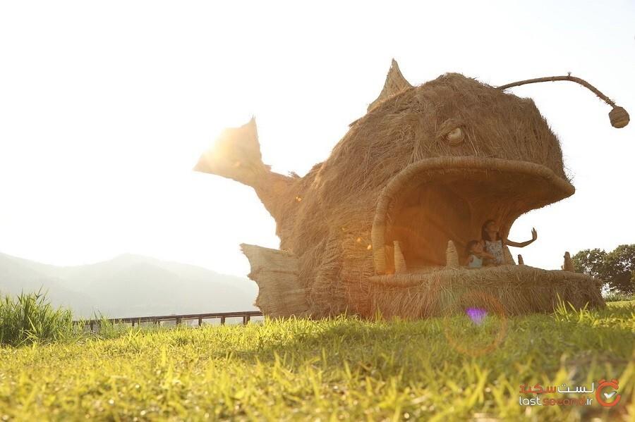 جشنواره وارا فستیوال هنری مجسمههای کاهی در ژاپن
