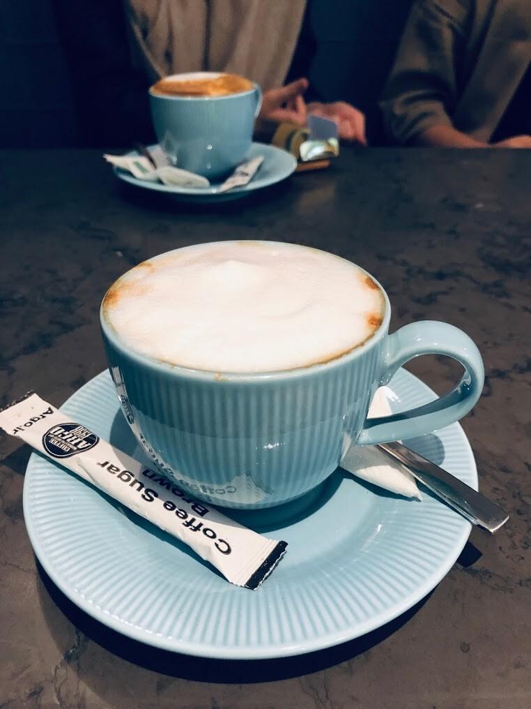 کافه هفت داستان