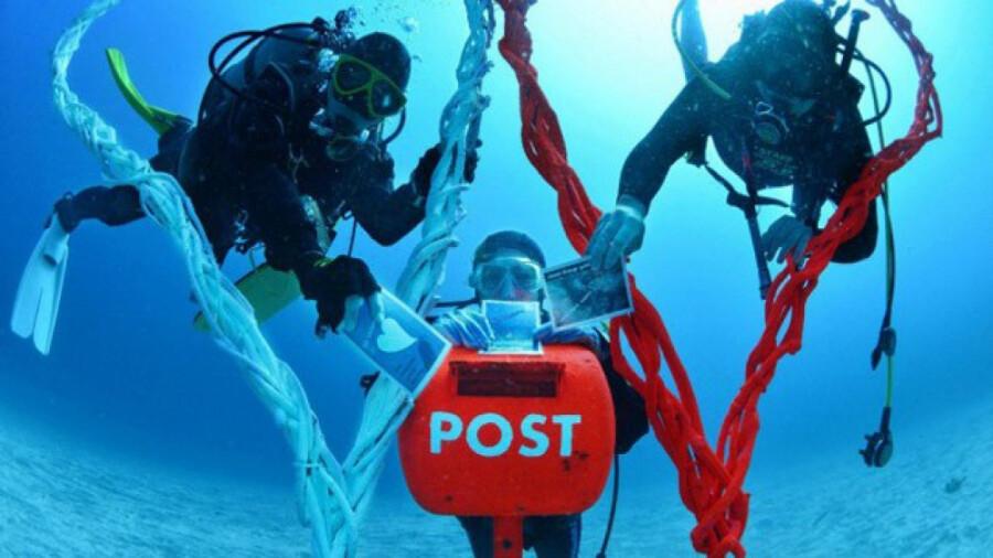 ایدهای که گردشگری این شهر را رونق داد : صندوق پستی در زیر آب