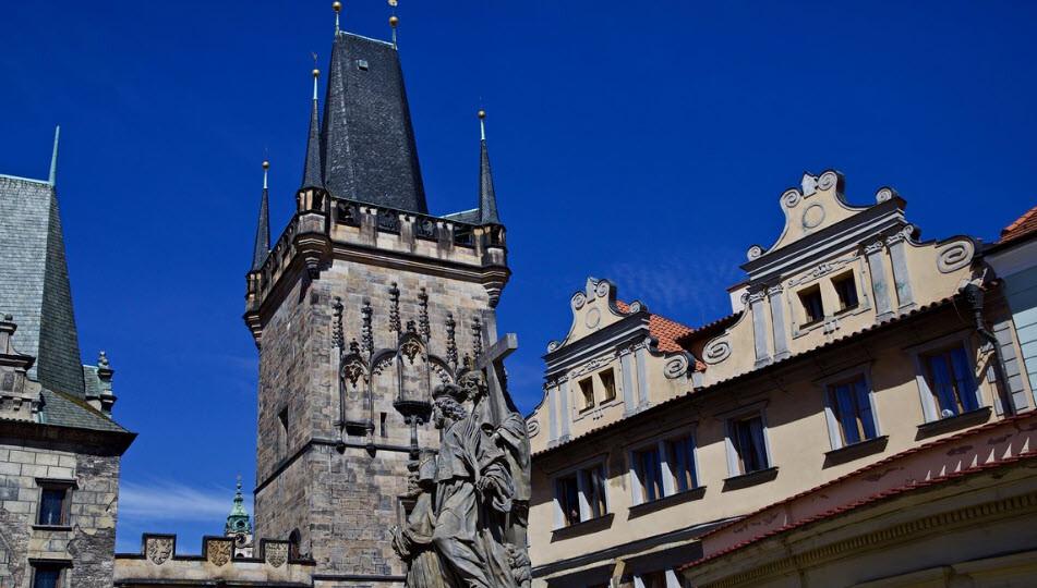 برج پل شهر قدیمی پراگ