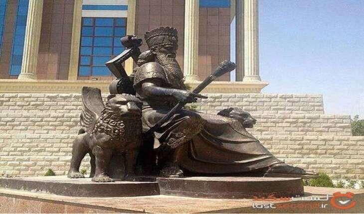 تندیس کوروش کبیر در کشور «تاجیکستان»