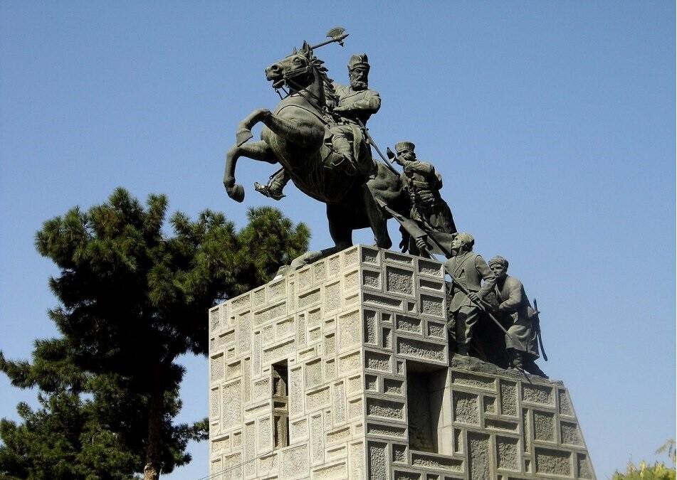 آرامگاه نادر شاه افشار، فاتح کوه نور در مشهد